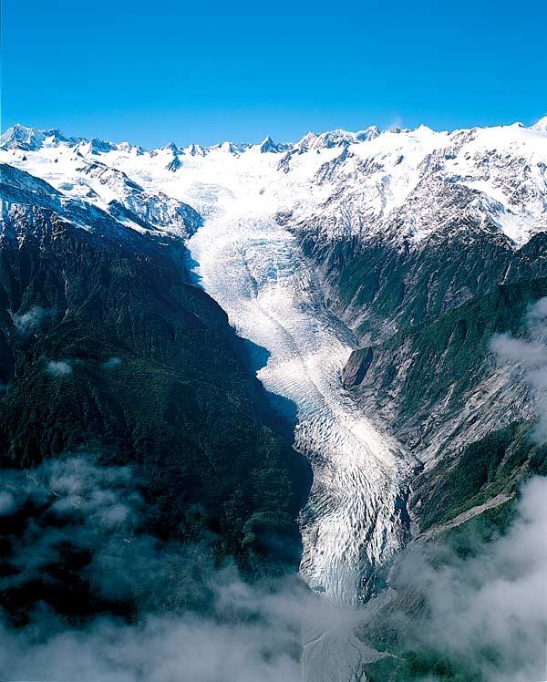 http://www.travelvivi.com/wp-content/uploads/2009/07/Franz-Josef-Glacier.jpg