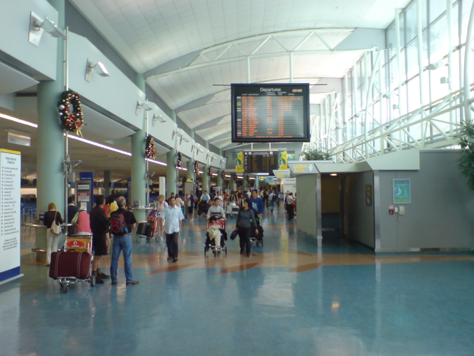10 Best Airports In The World Travelvivi Com