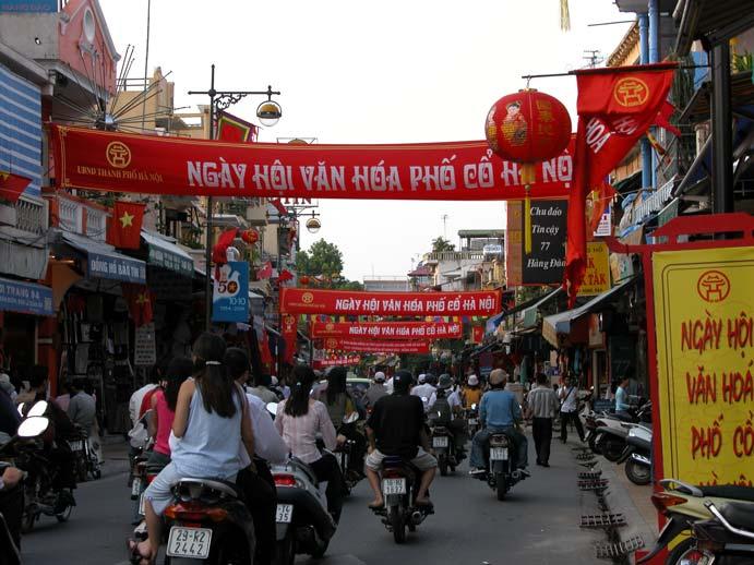 http://www.travelvivi.com/wp-content/uploads/2009/09/Hanoi-.jpg