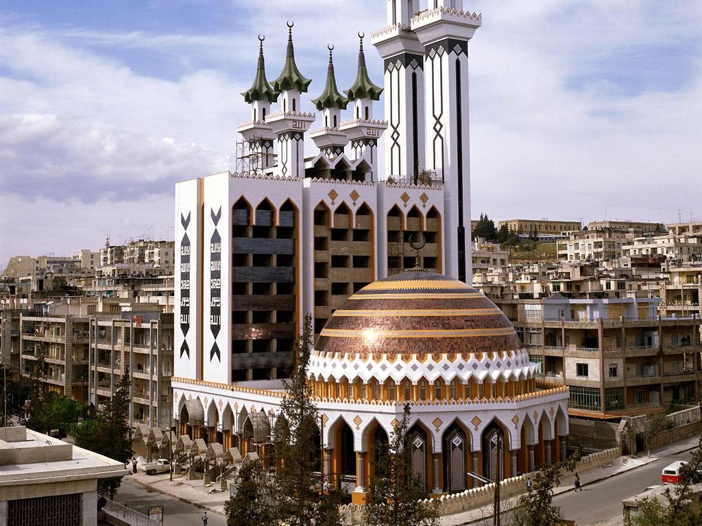 http://www.travelvivi.com/wp-content/uploads/2009/12/Aleppo-Syria1.jpg