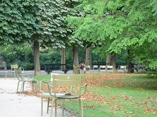 enchanting beauty of luxembourg gardens. Black Bedroom Furniture Sets. Home Design Ideas