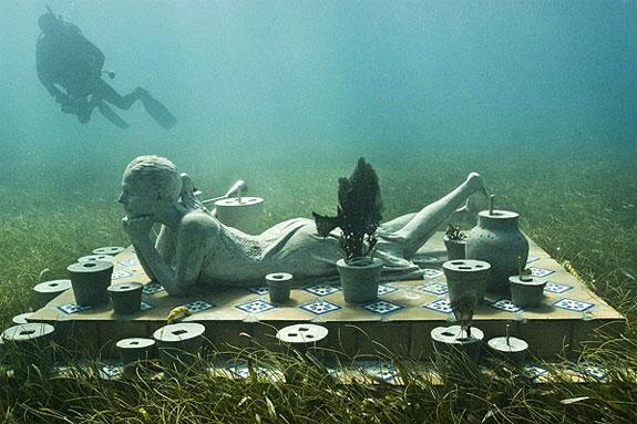 [صورة: underwater-sculptures-grenada.jpg]