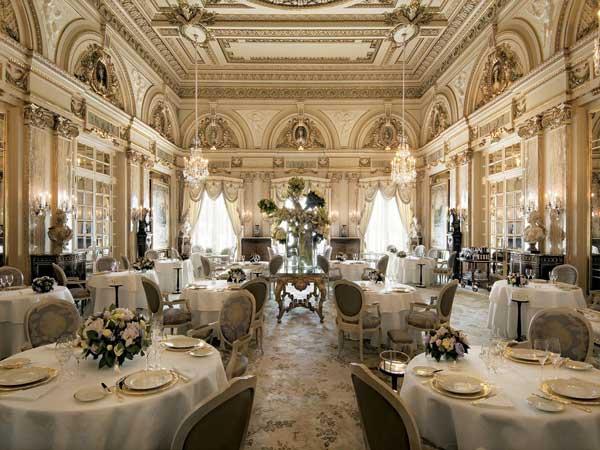 http://www.travelvivi.com/wp-content/uploads/2012/09/Hotel-de-Paris-Monte-Carlo-restaurant.jpg